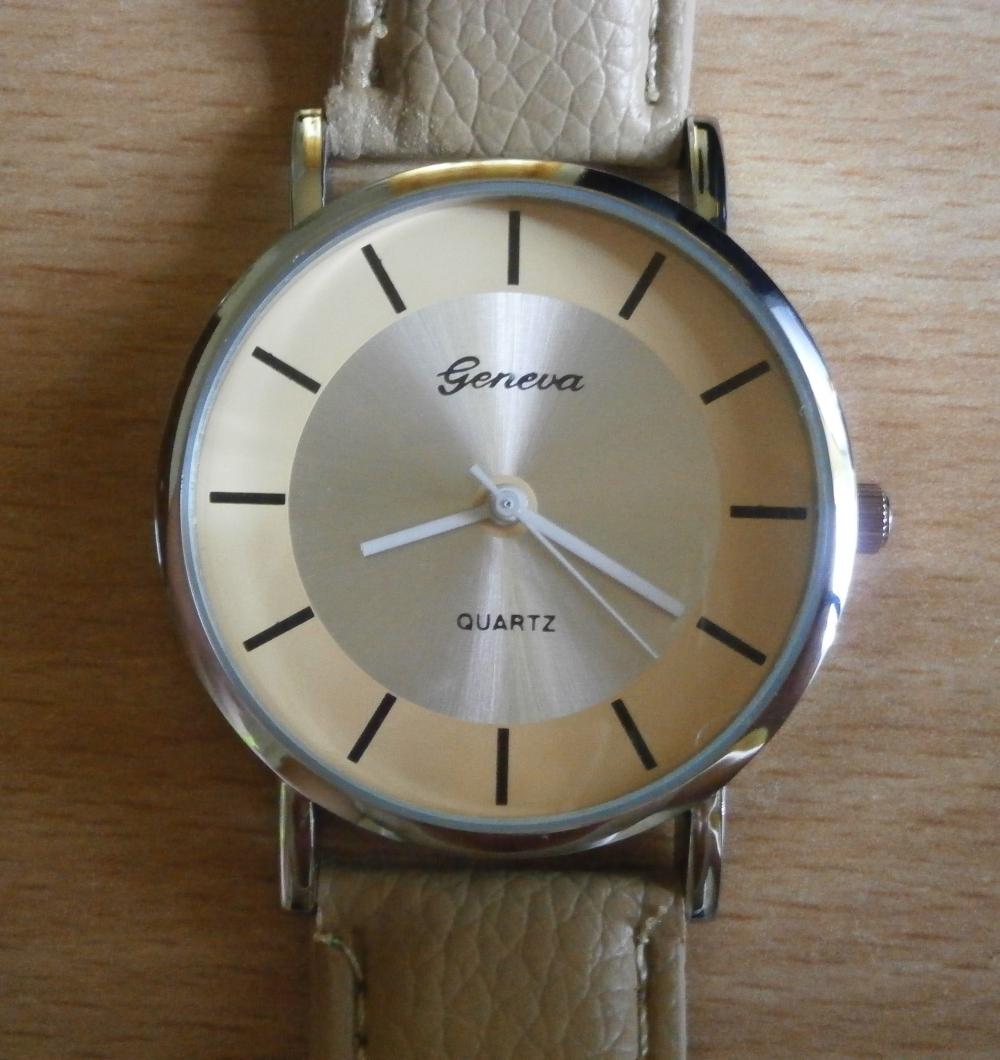 Простые часы с Алиэкспресс