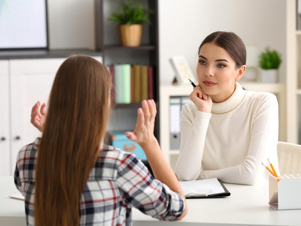 Может ли психолог работать со взрослыми и детьми одновременно?