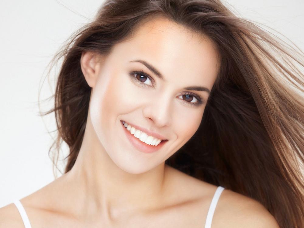 Развенчиваем мифы. Протезирование зубов - только для старушек?