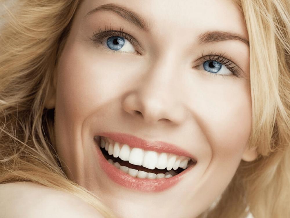 Протезирование зубов: виниры, коронки, протезы на имплантах. Где делать?